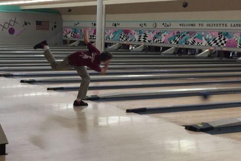 Bowling team upsets Chaminade