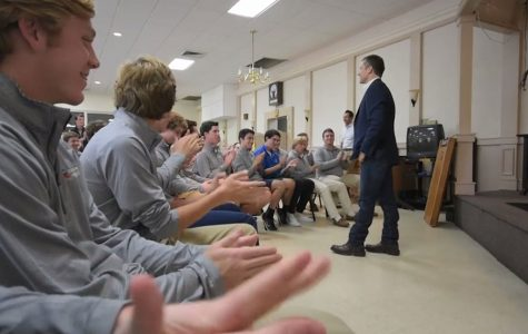 Young Republicans visit with Eric Greitens
