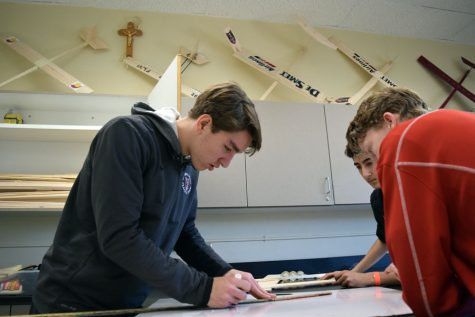Engineering club preps for Boeing Engineering Challenge
