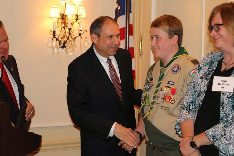 Freshman honored with boy scout heroism award – The Mirror