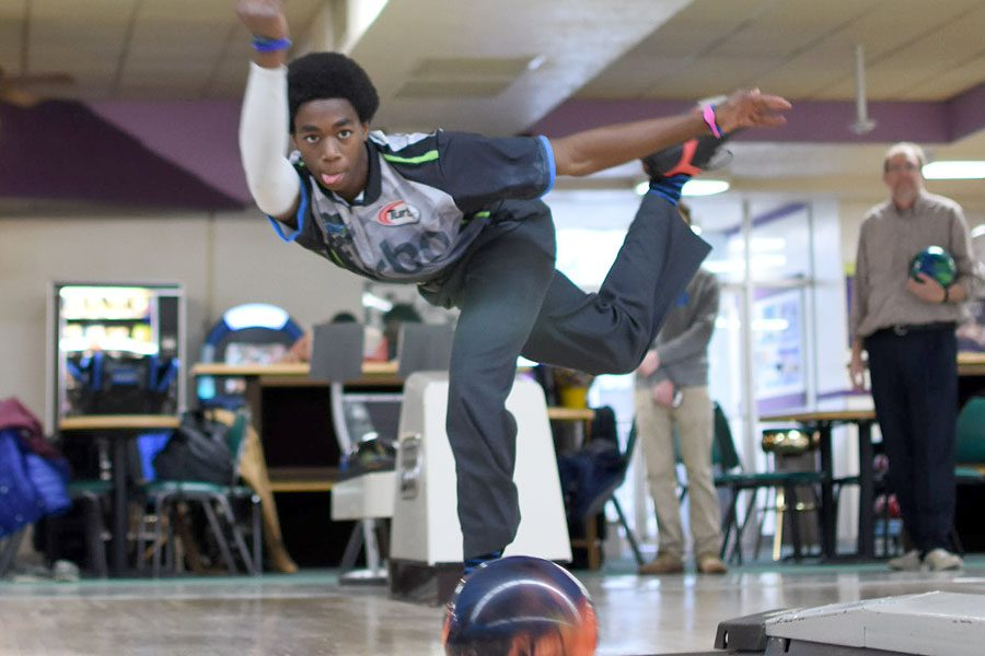Katom Parnell bowls during a practice at Olivette lanes.