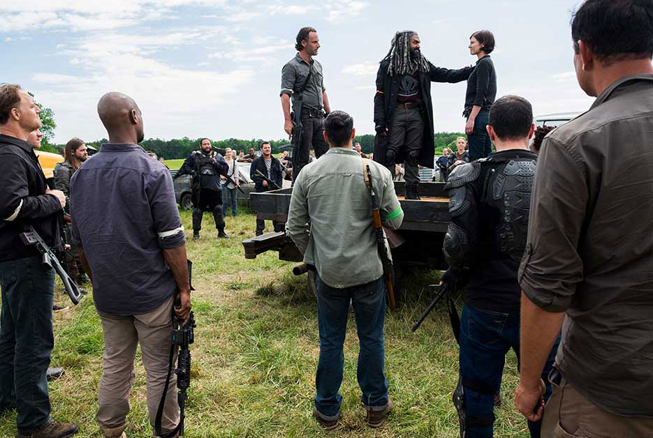 Rick Grimes (Andrew Lincoln), King Ezekiel (Khary Payton) and Maggie Greene (Lauren Cohan) in episode 1. Photo by  Gene Page/AMC