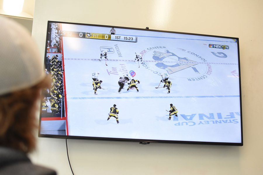 Two teams play NHL battling for the win to move on in the tournament.
