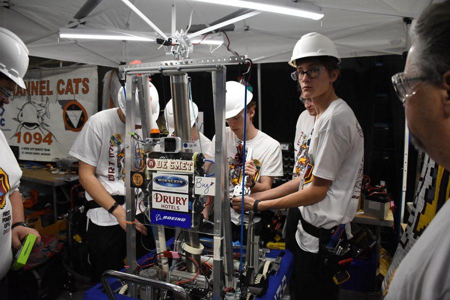 Robotics team advances to nationals